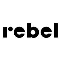 Rebel partnerem Pilkonu. Logo Rebel.
